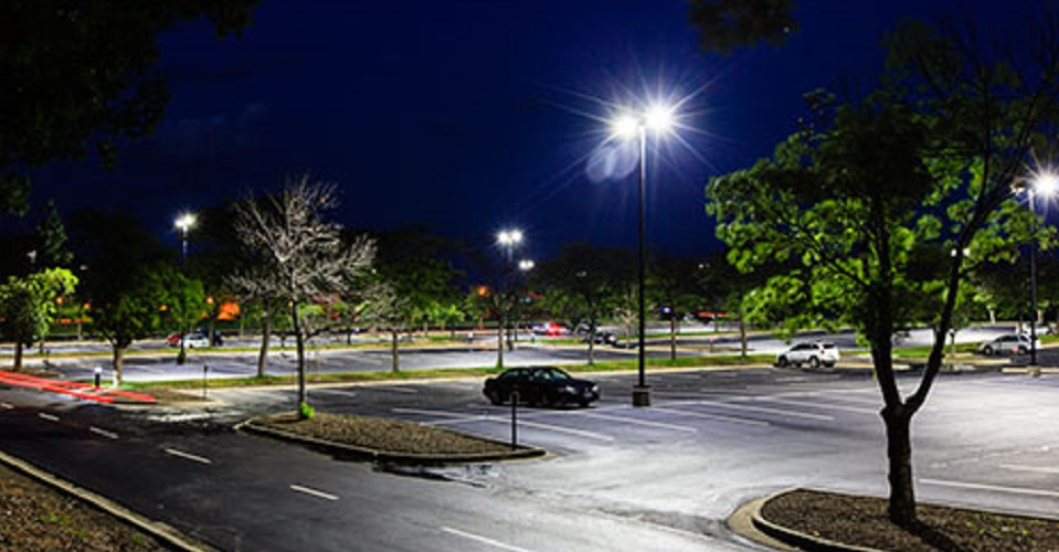 http://amcogroup.ca/wp-content/uploads/2016/11/GE-LED-Outdoor-Parking-Lot-Lighting-MetLife-2-465x300_tcm201-35256.jpg